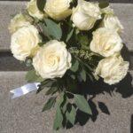 buchet-cu-11-trandafiri-albi_2985_1_1539436416.jpg