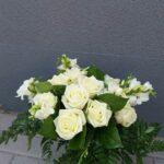 buchet-cu-19-trandafiri-albi-2999_2999_1_1539583460.jpg