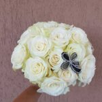 buchet-de-mireasa-cu-trandafiri-albi_3065_1_1554277288.jpg
