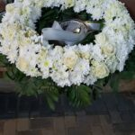 coroana crizantema si trandafiri 50 cm – 435 lei