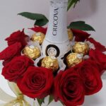 cutie-cu-flori-sampanie-si-praline_2867_1_1521663117.jpg