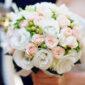 Minimalist, ideile unor buchete de flori speciale pentru propria nuntă