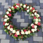 coroana anthurium si trandafir 50 cm 499 lei